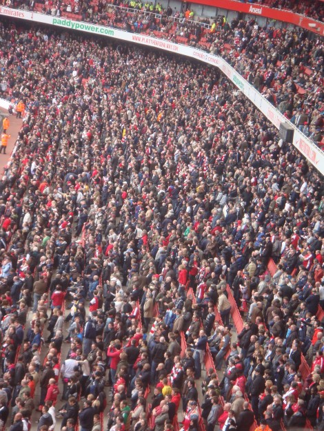 De kritiek van de trouwe supporters op Wenger neemt toe