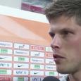 Klaas-Jan Huntelaar is boos. Hij is niet de eerste spits van het Nederlands elftal, en kan dat moeilijk verkroppen. Begrijpelijk, hij is topscorer van de Bundesliga, en maakte meer dan veertig doelpunten dit seizoen. Toch is het goed voor het Nederlands Elftal dat hij […]