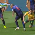 Oranje won gisteren opnieuw en plaatste zich al na twee speelrondes voor de achtste finales van het WK. Toch was er behoorlijk wat kritiek op de kwaliteit van het spel tegen Australië. Amateurvoetballers, huismoeders en journalisten leken het over één ding eens: Nederland dacht […]