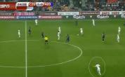 Het stoom kwam nog steeds uit de oren bij Guus Hiddink toen hij na de 2-1 nederlaag bij Tsjechië aanschoof bij Jack van Gelder. Een individuele fout van Daryl Janmaat zorgde in de eindfase voor de verdiende zege van de thuisploeg. Waar voorganger Louis […]
