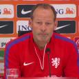 Door smadelijke nederlagen tegen IJsland (0-1) en Turkije (3-0) dreigt Nederland voor het eerst sinds 1984 een EK te missen. De onervaren bondscoach Danny Blind ligt nu al onder vuur en ook KNVB-directeur Bert van Oostveen krijgt de volle laag. In de media worden […]
