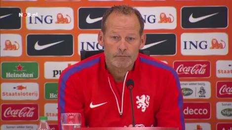 Als we de media mogen geloven, is Danny Blind een bondscoach die net als Louis van Gaal uitgaat van structuren.