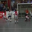 Het Nederlandse voetbal zit in een identiteitscrisis. 'De Hollandse School' staat onder druk. Innovatie en conservatisme strijden om ruimte en invloed, een reëel zelfbeeld met betrekking tot het (recente) verleden ontbreekt en er is twijfel over waar het heen moet met het Nederlandse voetbal. […]